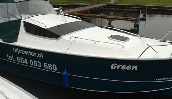 Czarter jachtu na Mazurach bez patentu – czy warto?